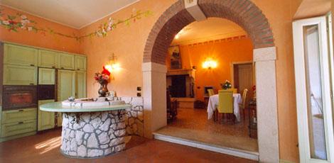 L 39 atelier dell 39 architetto ristrutturazione di villa d 39 epoca in provincia di verona - Cucina con arco ...